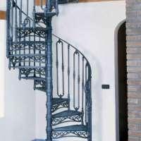 Винтовая лестница из чугунного литья