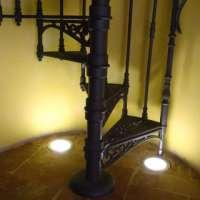 Винтовая лестница из чугуна.