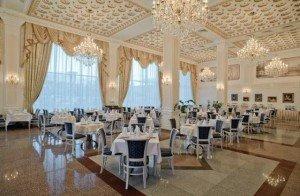 Потолки и стеновые панели для ресторанов и баров, гостиниц